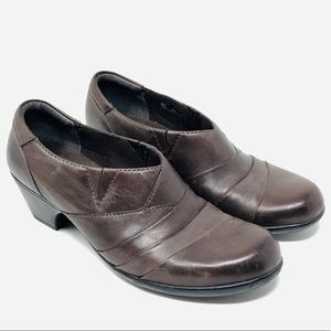 CLARKS Bendables Brown Ankle Booties - Sz 9
